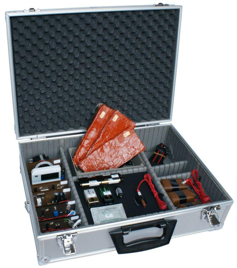 simulant explosives training kit